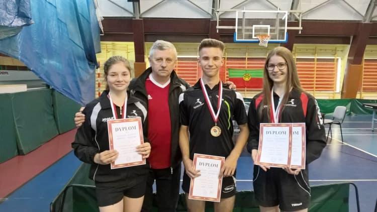 6 medali dla UMLKS Radomsko w tenisie