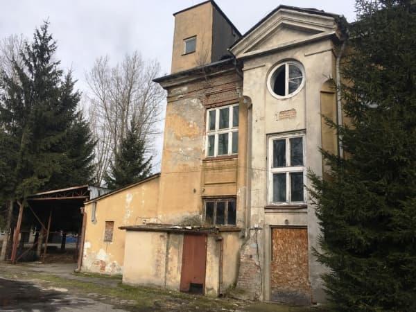 Budynki po dawnym ZPO w Radomsku ponownie na sprzedaż