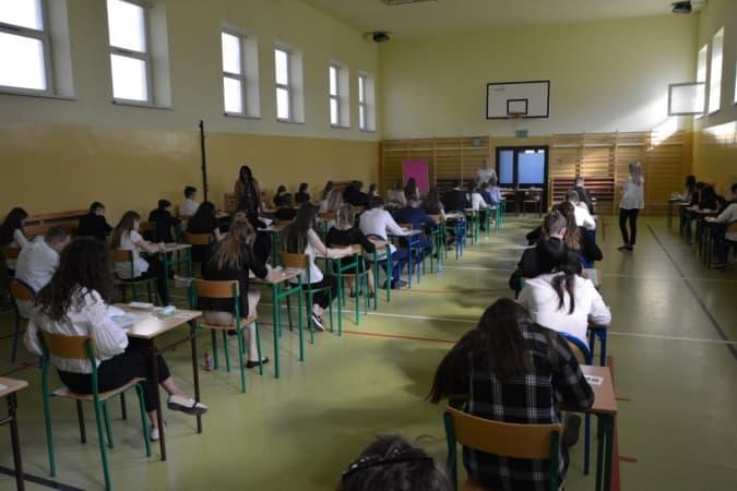 Egzaminy gimnazjalne w toku