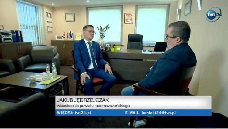 """Jakub Jędrzejczak w programie """"Czarno na białym"""" TVN24.pl o sytuacji w oświacie"""