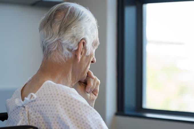 Jak wygląda opieka nad osobą chorą na Alzheimera?