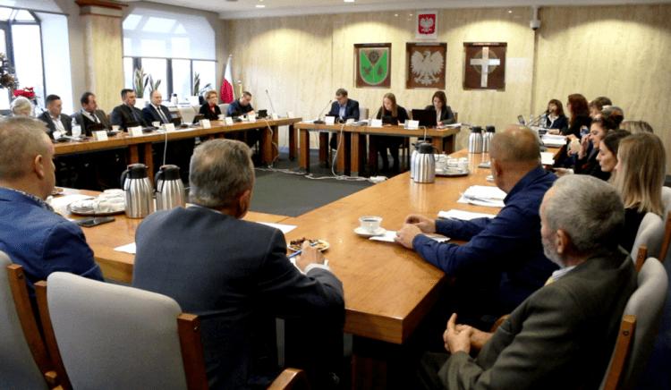 Janosikowe plus w Kleszczowie. Kamieńsk, Lgota i Dobryszyce dostaną po 1,3 mln zł