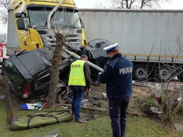 Kolonia Drużbice. Pod kołami ciężarówki zginął mieszaniec powiatu radomszczańskiego
