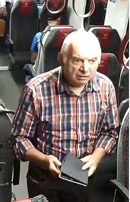 Kto rozpoznaje mężczyznę, który przywłaszczył tablet?