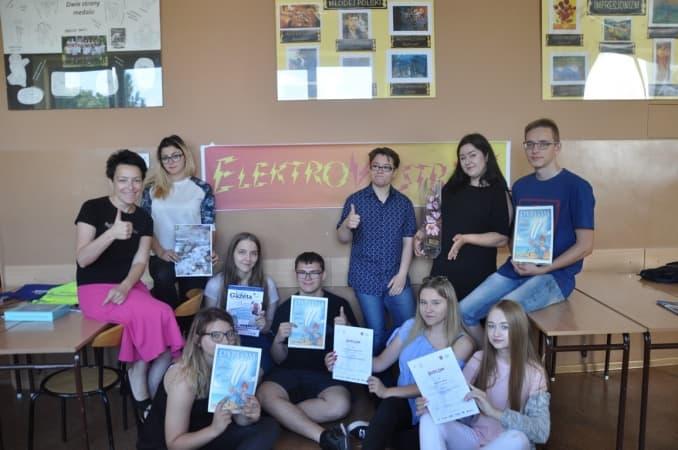 """Lawina sukcesów redakcji """"Elektrowstrząsu"""" z ZSE-E"""