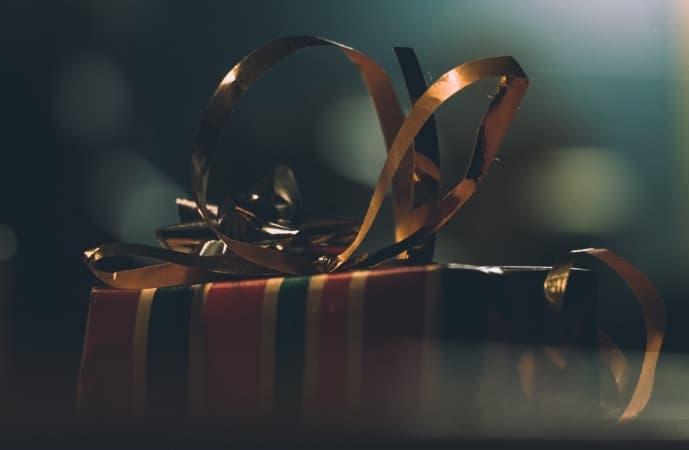 Najlepsze prezenty na rocznicę. Co kupić na rocznicę ślubu?