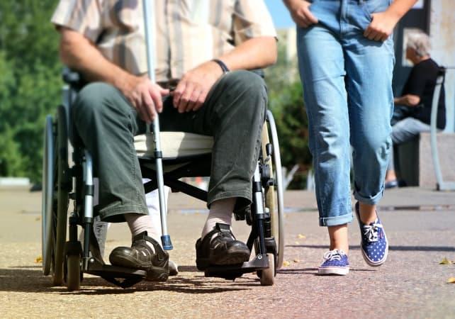 Niepełnosprawność a niesamodzielność. Różnica ma znaczenie przy świadczeniach uzupełniających
