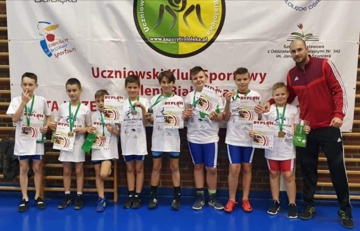 Osiem medali dla zapaśników ZKS Radomsko