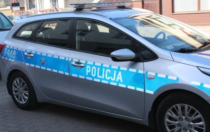 Policjanci pomogli w eskorcie nieprzytomnego do szpitala