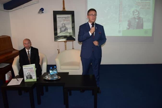 Prezentacja albumu o Konspiracyjnym Wojsku Polskim w bibliotece