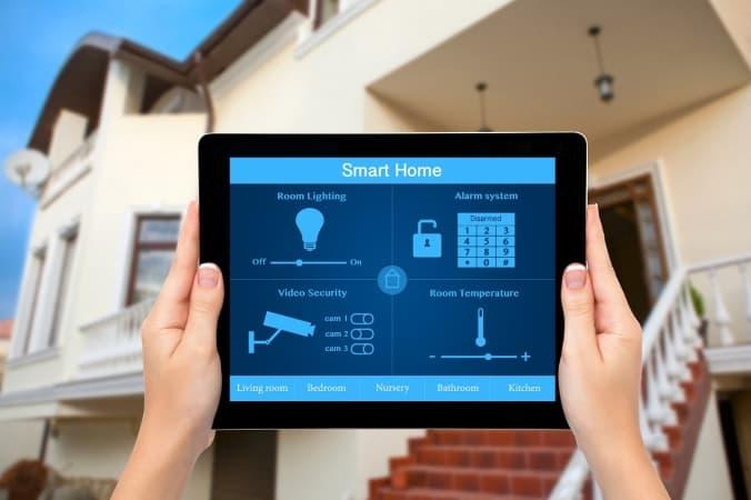 Sterowanie przez WiFi domem to nie tylko oszczędności energii, ale także komfort i oszczędność czasu