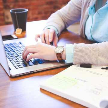 """""""Koniczynka"""" organizuje konsultacje on-line z psychologiem"""