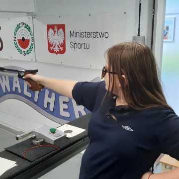 """Strzeleckie Święto Kobiet z udziałem pistoleciarzy OKSS """"10-tka"""""""