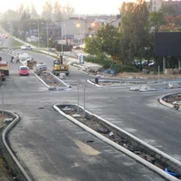 Postęp prac przy przebudowie skrzyżowania