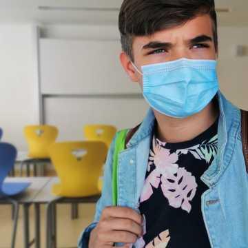 Zespół PAN ds. COVID-19 apeluje o szczepienie uczniów i personelu szkół