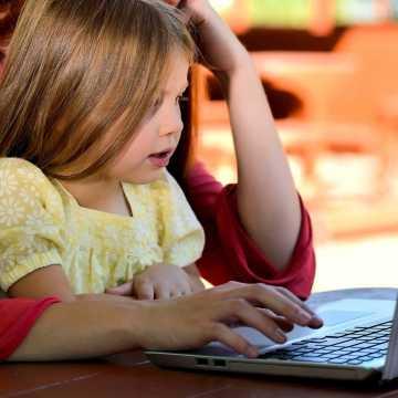 Samorządy z Radomska będą wnioskować o środki na zakup komputerów dla uczniów i nauczycieli
