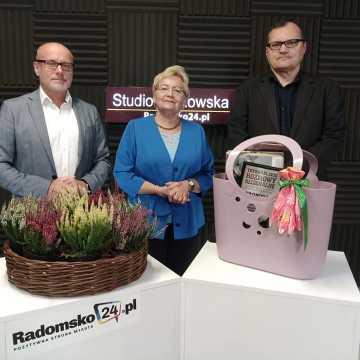 Pani Czesława z Radomska odebrała nagrodę w konkursie Trybunalskich Rozmów Regionalnych