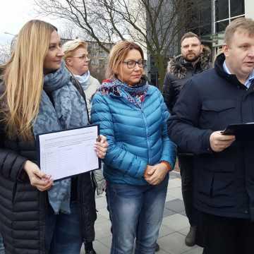 Radomszczańska Platforma Obywatelska murem za budżetem obywatelskim. Rozpoczęła zbieranie podpisów