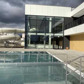Jest protokół odbioru nowego basenu w Radomsku, ale i wykaz wad. Z obiektu wciąż nie można korzystać