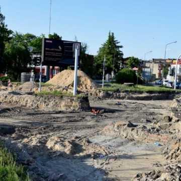 Prace przy budowie ronda na ul. Brzeźnickiej