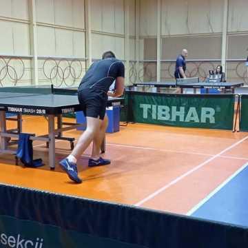 Zmienne szczęście przy tenisowym stole
