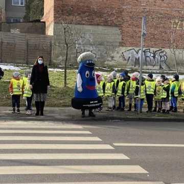 Dzieci poznały zasady bezpiecznego zachowania się na drodze