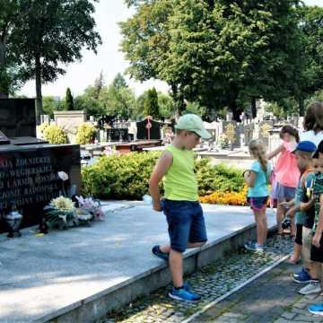 Muzeum zaprosiło dzieci na historyczną wycieczkę po Radomsku