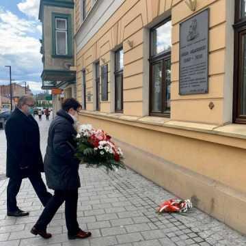 Poseł Anna Milczanowska upamiętniła Józefa Piłsudskiego