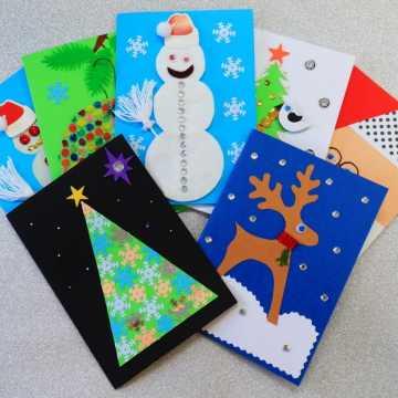 Pierwsze kartki świąteczne dla pacjentów szpitala trafiły już do radomszczańskiego starostwa