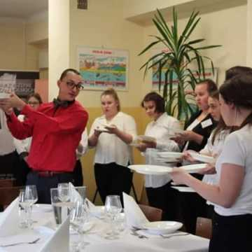 Kursy kelnerskie w Ekonomiku