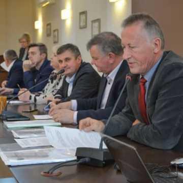 Radni  powiatu debatowali na komisjach