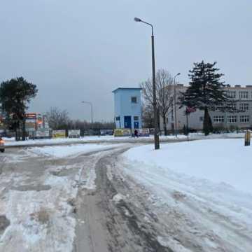"""Koszmar, dramat, porażka – radomszczanie komentują """"zimowy"""" stan dróg w mieście"""