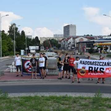 Kibice RKS i sympatycy ONR pamiętają o Powstaniu Warszawskim