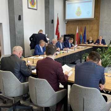 Poszkodowani przez pandemię przedsiębiorcy z Radomska zostaną zwolnieni z podatku od nieruchomości