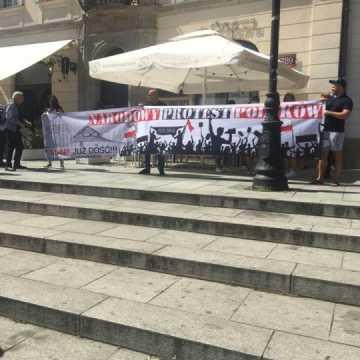 W Warszawie protestowali radomszczanie przeciwko m.in. noszeniu maseczek