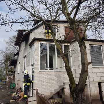Paliło się poddasze domu w Kobielach Wielkich