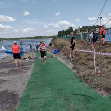 Mateusz Półrola i Kacper Gałwa na podium w Triathlon Energy w Bełchatowie