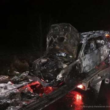 W Łowiczu spłonął samochód