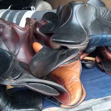 Gm. Żytno: kurierzy ukradli akcesoria jeździeckie za ponad 60 tys. złotych, dostarczone przez innego kuriera
