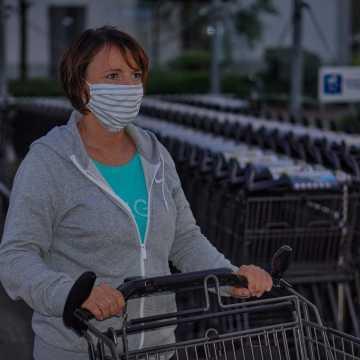 Limity osób w sklepach w strefach czerwonych zostaną uzależnione od powierzchni