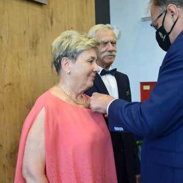 """""""Złoci"""" małżonkowie odznaczeni medalami"""
