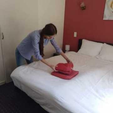 Hotelarze zdobywają doświadczenie zawodowe u podnóża Pirenejów