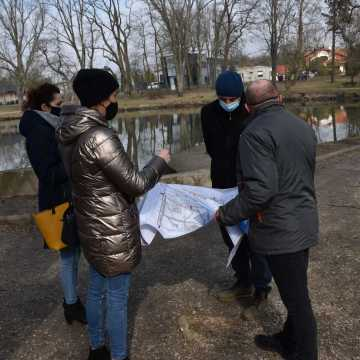 Piotrków Tryb.: Park Belzacki w rękach wykonawcy