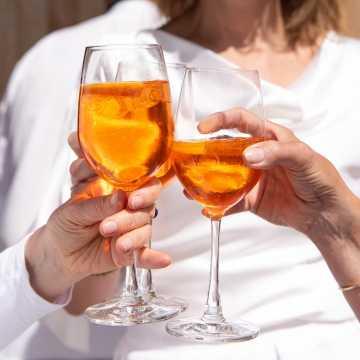 Niemal co trzecia osoba w czasie pandemii ograniczyła spożycie alkoholu