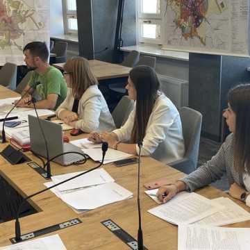 Radni zapoznali się z założeniami studium. To krok w kierunku uporządkowania polityki przestrzennej miasta