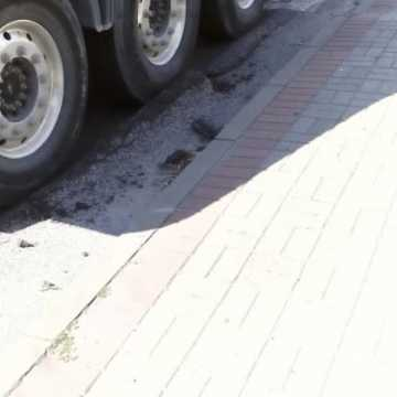 Budowa A1 niszczy drogi lokalne - starostwo wystąpi do ministra infrastruktury o ich naprawę