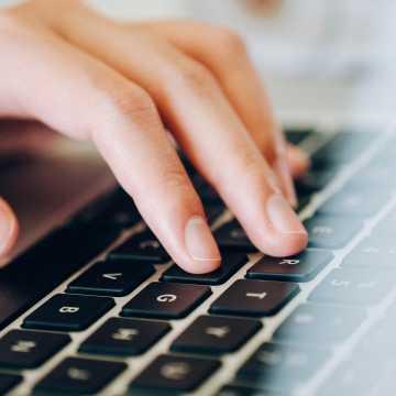 Jak chronić się przed cyberprzestępcami w czasie pandemii? Policja radzi