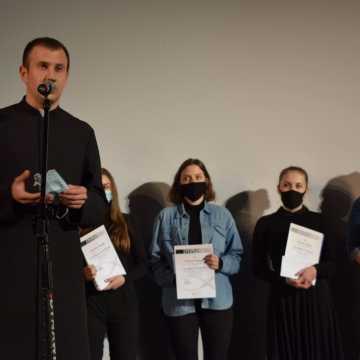 """Konkurs Recytatorski im. ks. Jerzego Popiełuszki """"Zło dobrem zwyciężaj"""" rozstrzygnięty"""