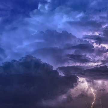 Ostrzeżenie przed burzami w Radomsku i powiecie