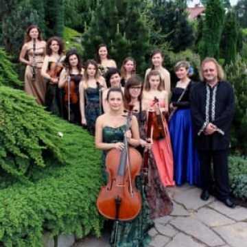 Koncert Żeńskiej Orkiestry Salonowej w MDK